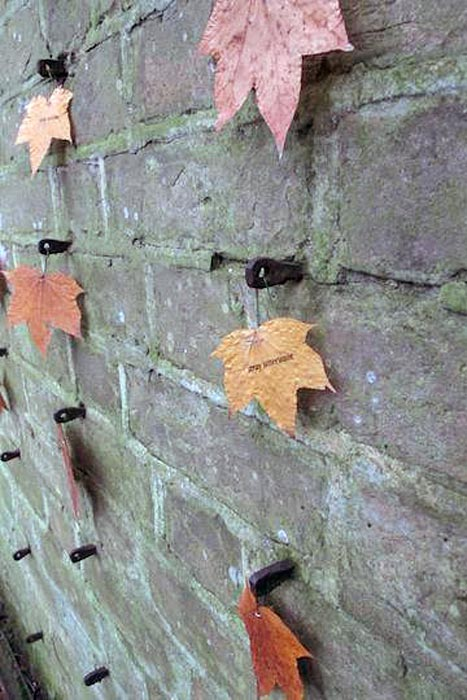 Autumn-Leaving-wall-detail1